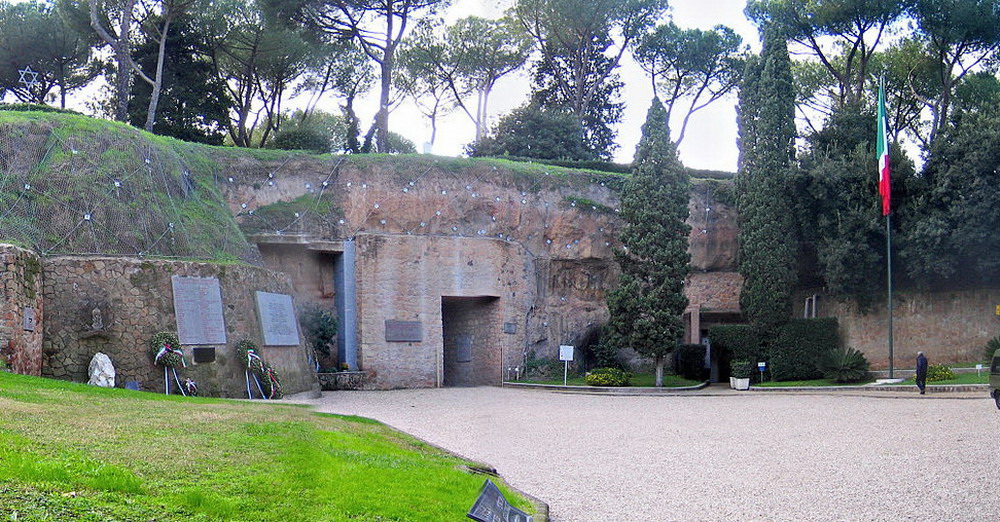 Roma-Fosse Ardeatine © CC BY-SA 2.0 antmoose
