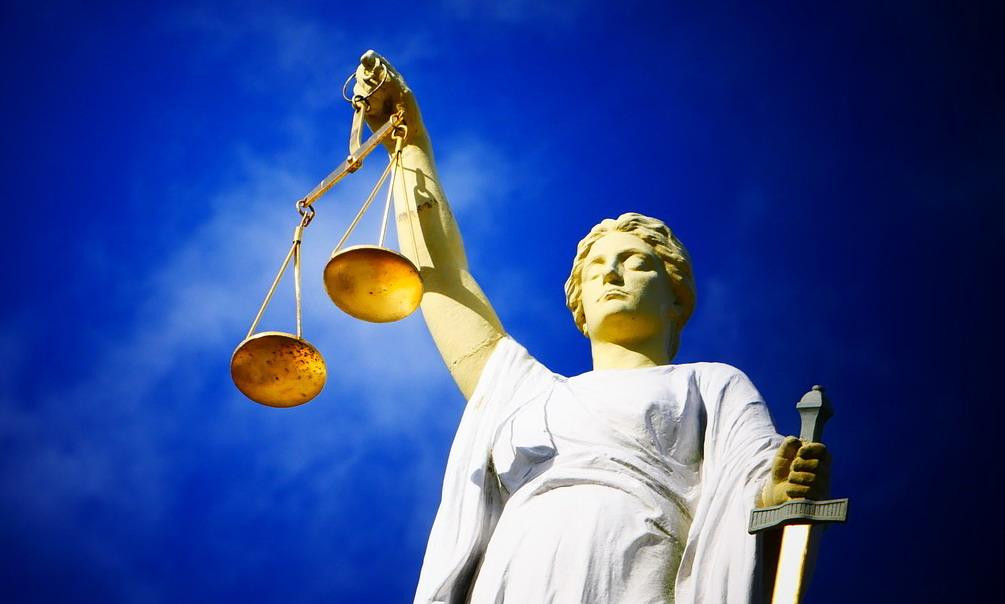 Risultati immagini per foto bilancia della giustizia