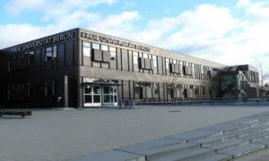 Freie Universität © CC BY-SA 3.0 Fridolin freudenfett (Peter Kuley) WC