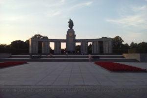 Il monumento sovietico per i caduti © il Deutsch-Italia
