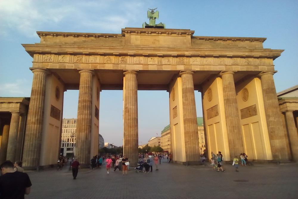 Una berlino veramente alternativa il deutsch italia - Replica porta a porta di ieri ...