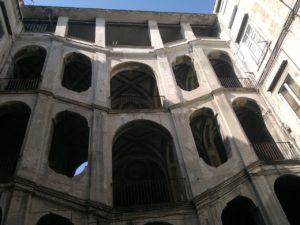 """Hof in """"Quartieri spagnoli"""" Neapel © il Deutsch-Italia"""