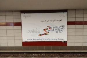 Il manifesto nelle diverse lingue © il Deutsch-Italia