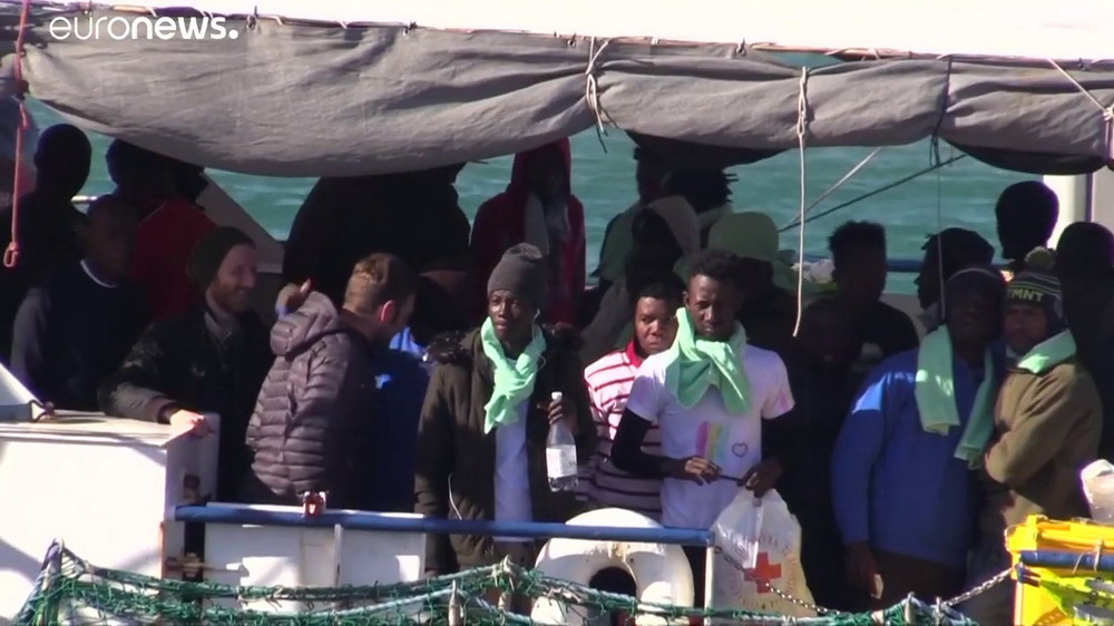 I migranti della Sea Watch 3 © Youtube Euronews