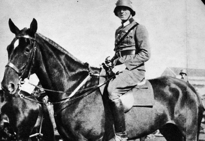 Claus Schenk Graf v. Stauffenberg © Bundesarkiv B-183-C0716-0046-003-© CC-BY-SA-3.0