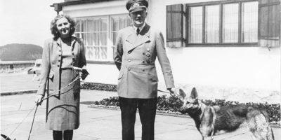 Adolf Hitler e Eva Braun al Berghof © Bundesarkiv-B-F051673-0059-© CC-BY-SA-3.0