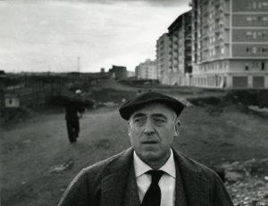 Cesare Zavattini © CC BY-SA 4.0 Fondo Paolo Monti BEIC Civico Archivio Fotografico di Milano WC