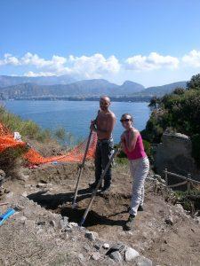 Rosaria Perrella con l'archeologo Tiziano Cinaglia © Wolfgang Filser