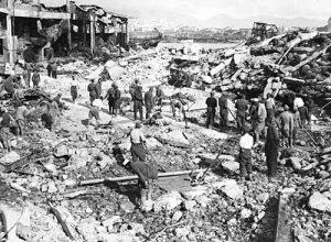 Il Pireo dopo i bombardamenti tedeschi