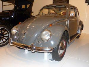 Volkswagen-Käfer-1200-Luxus-1961-©-CC-BY-SA-4.0-Dr