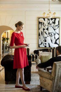 Lady In Red © Kempinski-Hotel Filipe Wiens