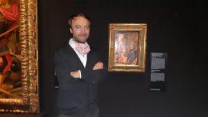 Neville Rowley accanto al dipinto del Ghirlandaio © il Deutsch-Italia