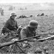 Soldati tedeschi in Russia © Bundesarkiv B 101I-213-0254-07A Gebauer © CC BY-SA 3.0